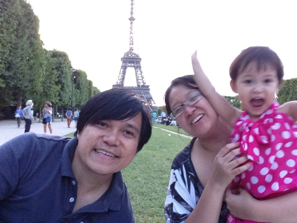 Waiting for the Eiffel Tower light show to start. Just enjoy the cold Spring weather.