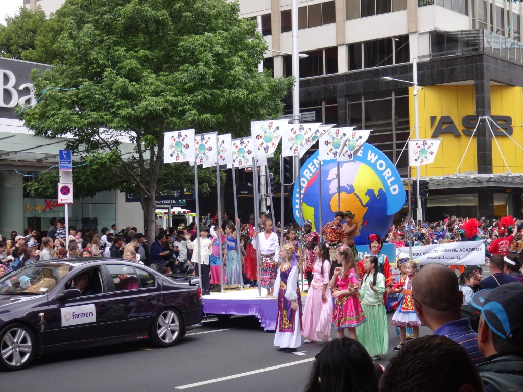 Auckland Santa Parade - Children of the World Float
