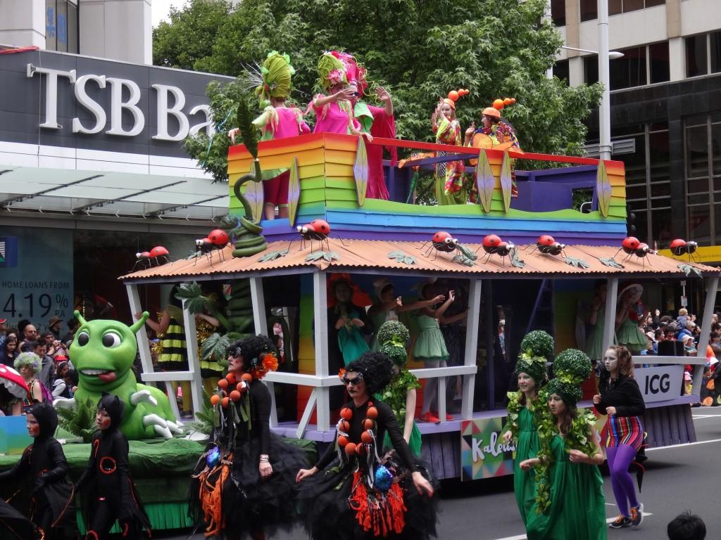 Farmer's Santa Parade - ICG Kaleidoscope Float
